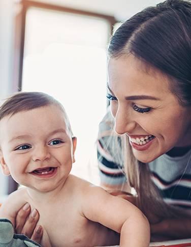 Todo sobre el desarrollo de los dientes de tu bebé
